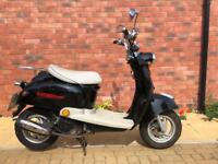 Mod style 50cc scooter with long mot moped