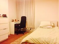 double size large single room. Easy access transports. Banks, supermarkets and restaurants.