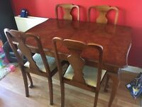 Quality 4-6 seater extendable dining table