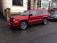 lovely looking jeep, full leather and heated seats, 6 speed gear box 12 month MOT.