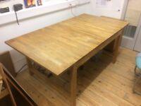 Free dining room table -TAKEN