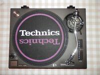 Excellent Condition Technics SL 1210 Turntable