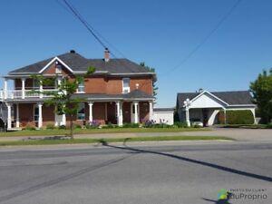 299 000$ - Maison 2 étages à vendre à Victoriaville