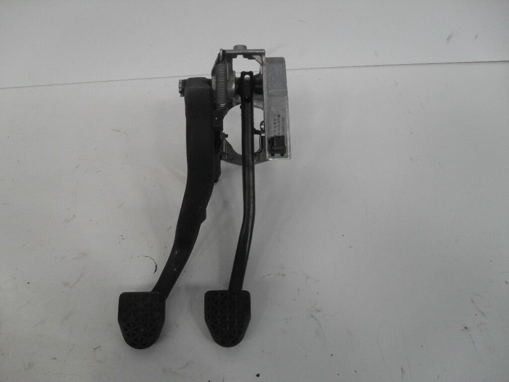 BMW 1/2/3/4/X1 CLUTCH PEDAL E92 & OTHERS 6778980 REF 2096