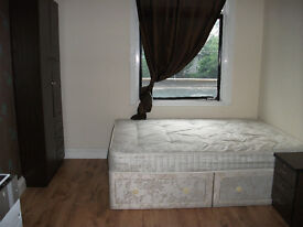 FANTASTIC STUDIO INCLUSIVE OF ELECTRIC/GAS & WATER, LOCATED 5 MINUTES FROM HOUNSLOW WEST TUBE