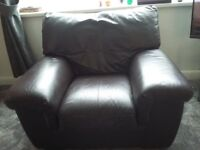 Leather 3 piece suite, settee is a 2 seater. Buyer to collect. Dark brown.
