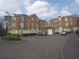 Large two bed unfurnished flat close to John Lewis and station