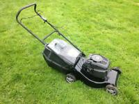 Petrol Lawn Mower Champion Briggs & Stratton Engine With Grass Box Collector