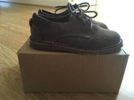 Boys shoes uk6.5
