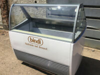 ICE CREAM FREEZER DISPLAY IARP EDERA 126 6MONTHS OLD FROM NEW 9 PANS