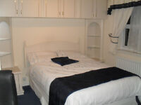 Double room with En-suite (shower and toilet) - No Deposite