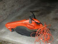 Electric Flymo leaf blower/vacuum