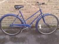LADIES ELSWICK VINTAGE CITY BIKE IN VERY GOOD CONDITION 3 SPEED 21''inch frame size VERY COMFY