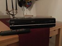HDD/VCR/DVD RECORDER with Digital Tuner