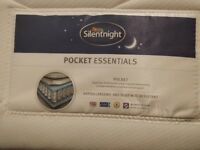 SilentNight 1000 spring Pocket Essentials (KING) Mattress, **Like New**