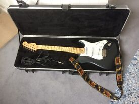 Fender Stratocaster 2011 USA-made + Super Champ XD Amp + Foot switch + Polytune 2 tuner + Hard Case
