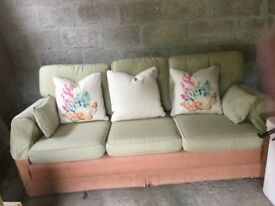 Three-seater sofa, contrasting linen, very good condition