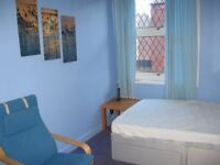 Large double room In houseshare in Armley, close to Bradford and Leeds Centre Low deposit.