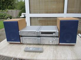 Technics Midi Stereo System with Technics Speakers and Remote Control