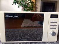 Russell Hobbs digital microwave, 20l, cream