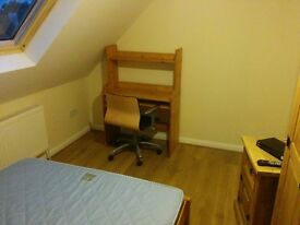 Heathrow Ashford/ Stanwell Double Room New Quality Room