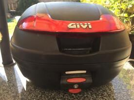 Givi top box used