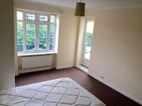 MASSIVE DOUBLE ROOM FOR 2 SHARERS OR A COUPLE HENDON GOLDERS GREEN