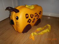 trunki case yellow spotty lepard excellent condition