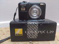 Nikon Coolpix L29 + case