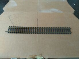 """""""00"""" gauge pieces of train track"""