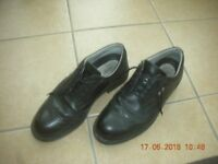 Mens Uvex Safety Shoes - size 42 or 8.5