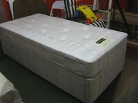 Myers Dreamworld Single Divan Bed with 2 Drawer Storage. Excellent Condition