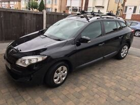 2010 Renault Megane Estate Black. 60 plate - Very reliable