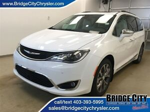 2017 Chrysler Pacifica Limited *Demo Unit* Loaded!