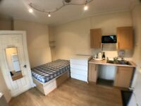 Studio flat available Now !