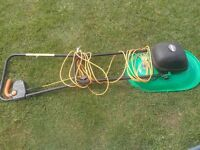 FREE WORKING ELECTRIC LAWNMOWER HOVER MOWER STYLE INC SPARE PLASTIC BLADES DELIVERY TO NORWICH