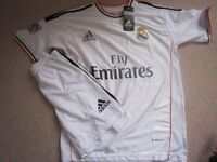 FOOTBALL STRIP - EMIRATES/RONALDO (+ other ManU and other Kit and Boots)