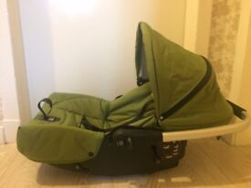 * BARGAIN * HOUSE CLEARANCE * car seat MUTSY SPORT 3 positions green and black very fresh clean