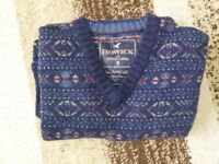 House of Fraser – Howick Lambswool FairIsle Jumper – V-neck – Navy - Small - £22