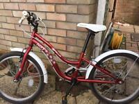Girls Apollo Ivory bike (7-9yrs)