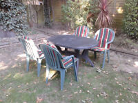 Patio Garden Set Table and 4 Chairs and seat pads FREE LOCAL DELIVERY