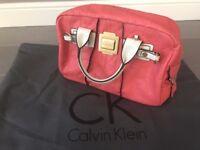 Brand New Genuine Calvin Klein Signature Leather Logo Shouler / Handbag | Pink