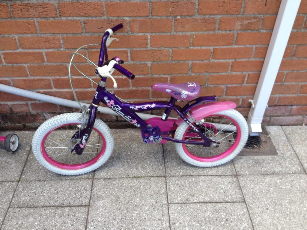 Girls bike suitable for 4 -7 year old