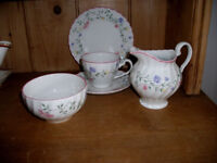26 pieceTea Service Summer Chintz by Johnson Brothers