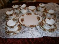 """Royal Albert """"Old Country Rose"""" 21 piece teaset"""