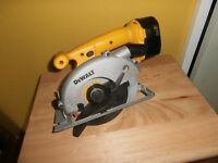 DEWALT DW935 - BATTERY CIRCULAR SAW WITH NO CHARGER