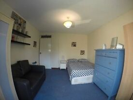 2 Huge Double Rooms 10 Min to SHOREDITCH!!!