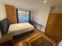 Double room Hollow Way/Cowley £600 all inclusive