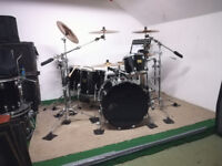 Pearl Masters Premium with stands, cymbals and cases