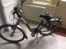 Ladies Trek Bicycle - very good condition - 200 Model